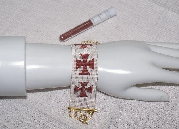 Bracelet manchette perles croix templière