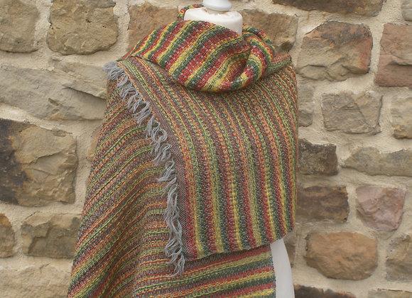 Etole en laine a rayures rouge jaune verte