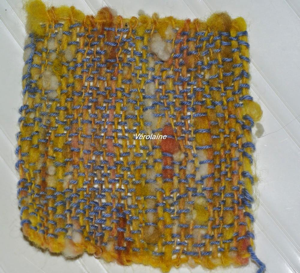 carré en laine teintée au curcuma