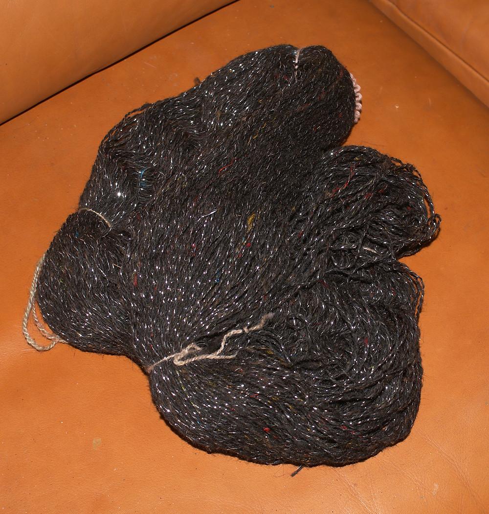 écheveau laine ouessant noire lurex argenté