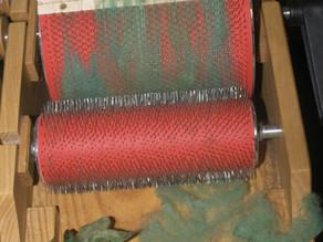 Etape fabrication bonnet en laine de pays vert filée mains