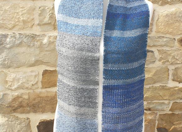Echarpe mérinos aux nuances de bleus gris