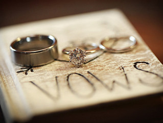 4 Tips to Help Write Personal Wedding Vows