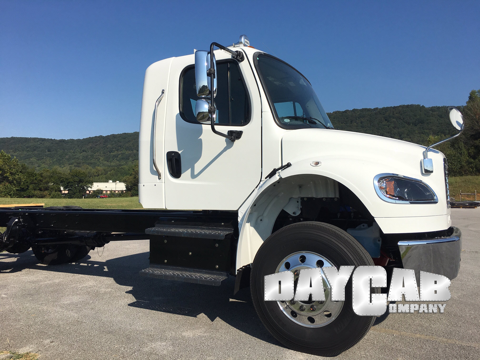 Daycab Company Freightliner M2 10 Extend