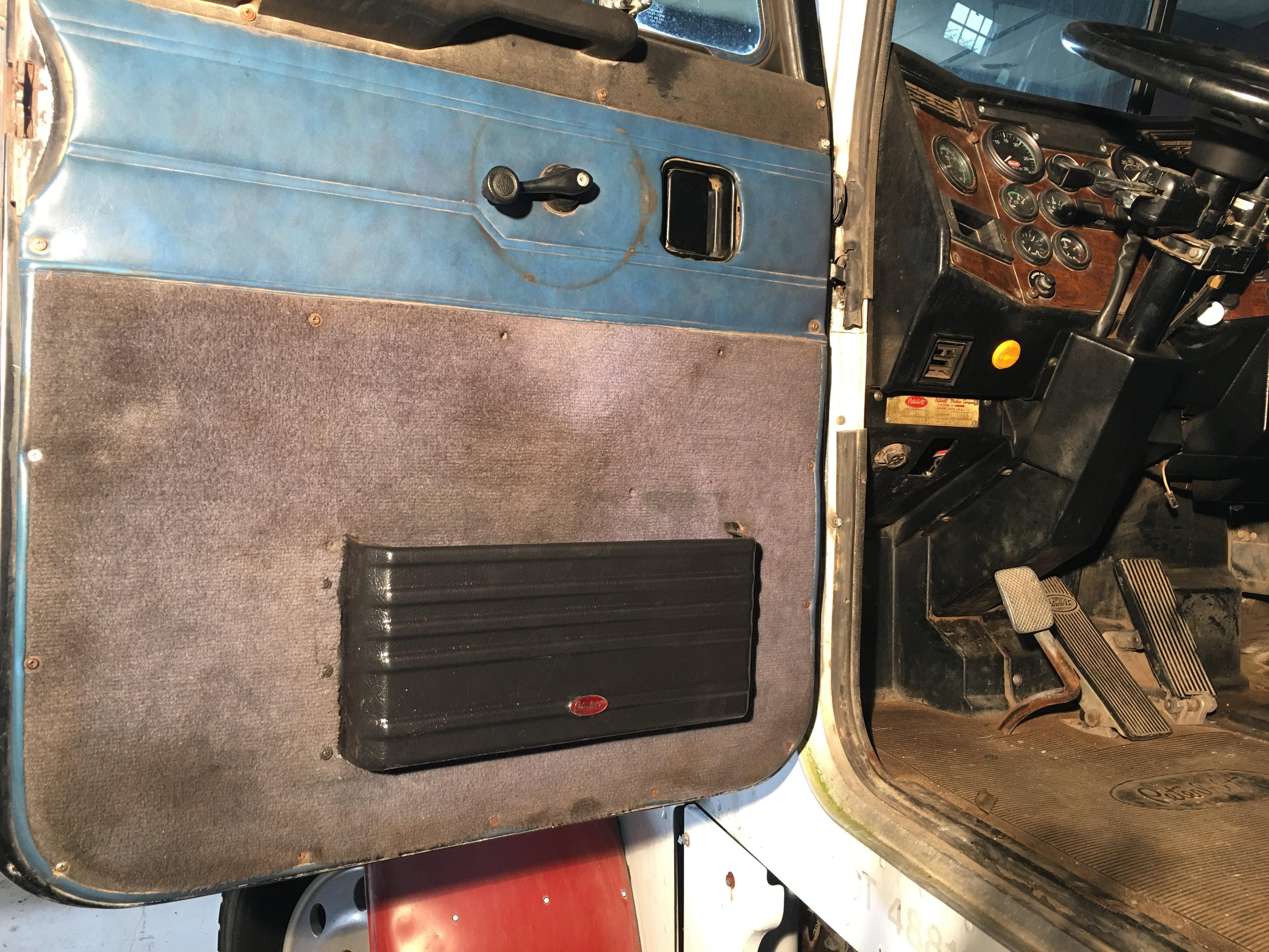 Peterbilt Door Pocket Installed