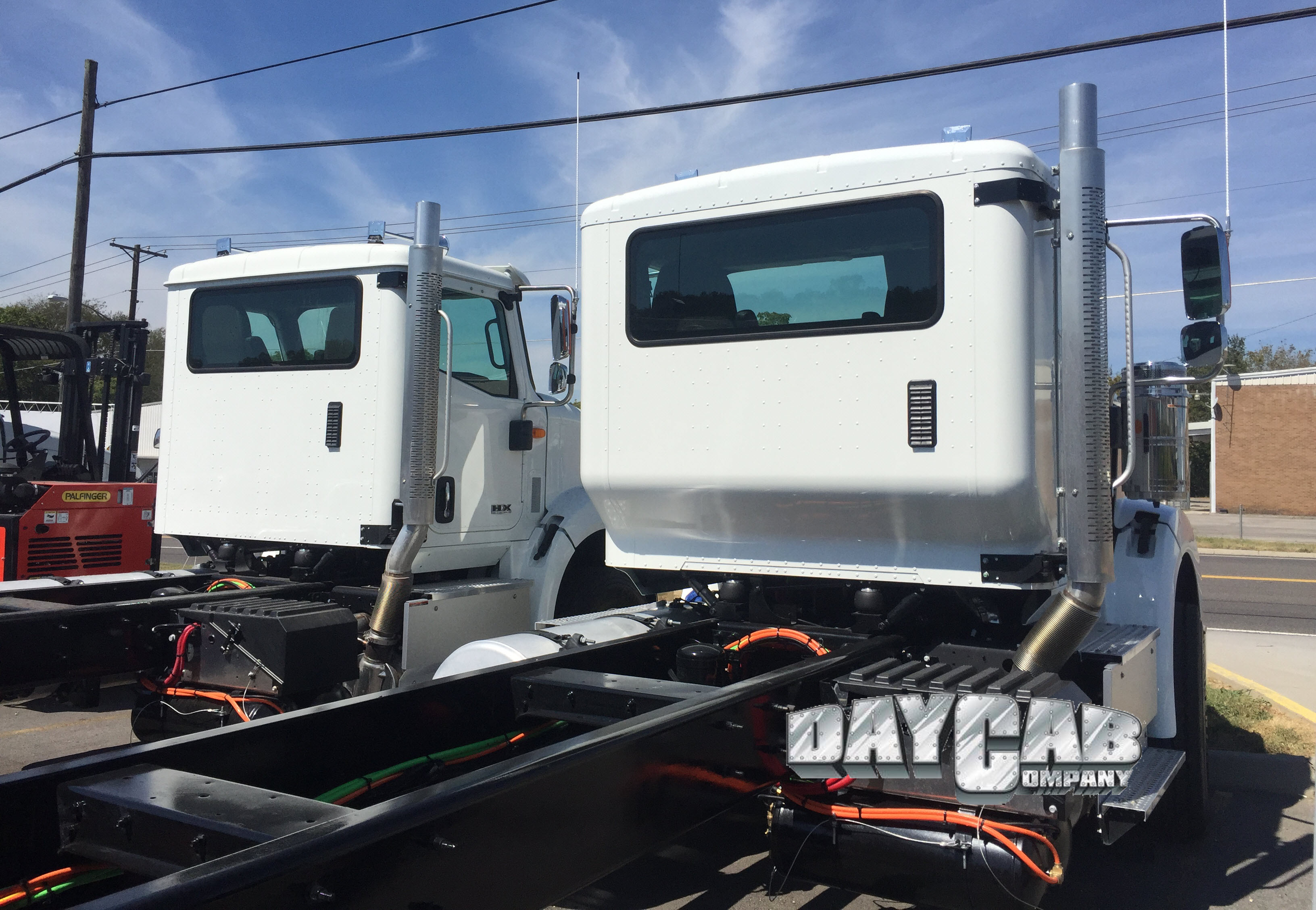 1 International HX Extended Cab - Daycab Company