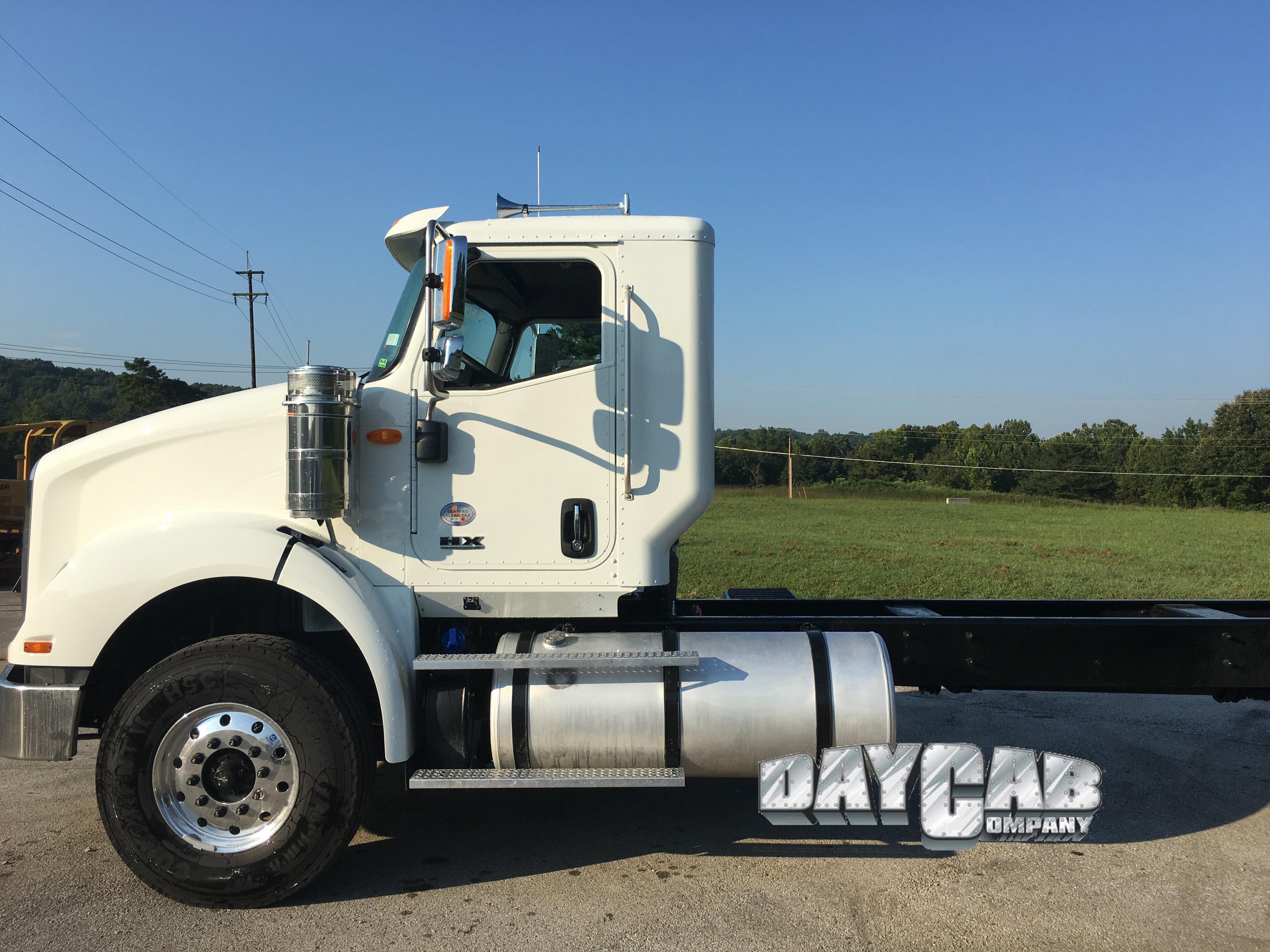International HX 620 Megacab Day Cab - Daycab Company
