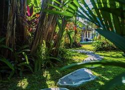 Garden to the Villa