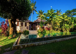 View of Inifitiny Pool and Villa from Ou