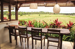 Outdoor dining table with views to the r