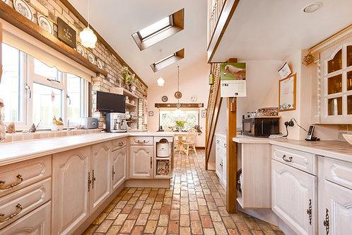 April Cottage, Burwell