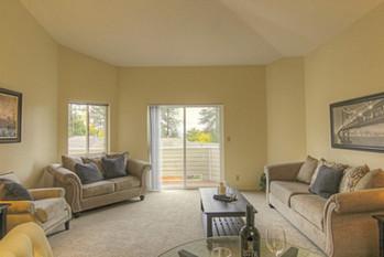005_Living Room.jpg