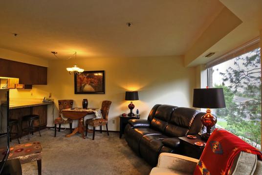 008_Living Room .jpg