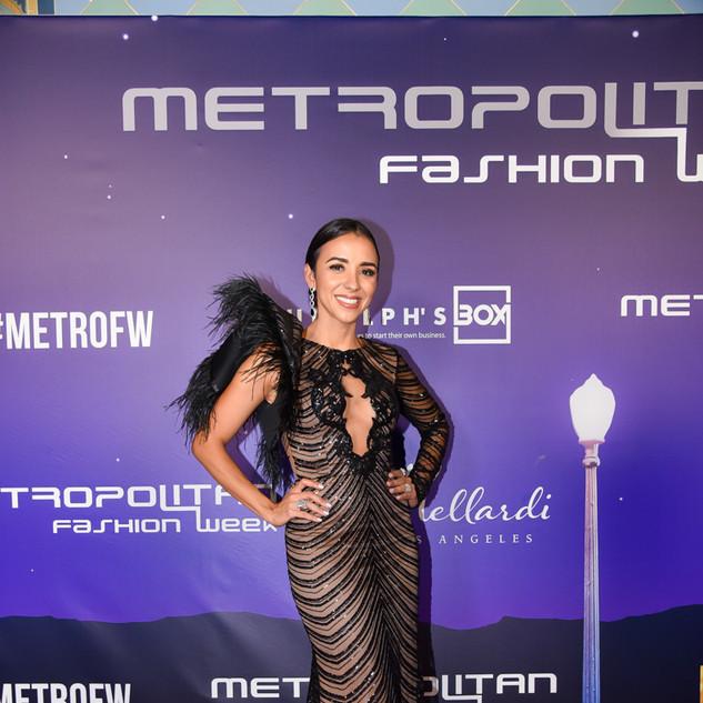 AWARD PRESENTER  Fashion Designer  MetroFW / RunwayFX Fashion Director  Niveen Heaton
