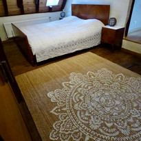 Slaapkamer met ruimte voor ochtenduyoga