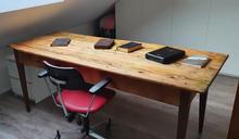 Restaurierter Holztisch