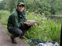 andy martin 5lb tench from ash flash