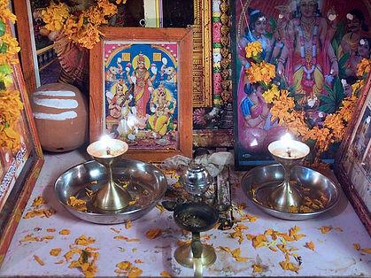 640px-India_-_Family_altar_-_7090.jpg