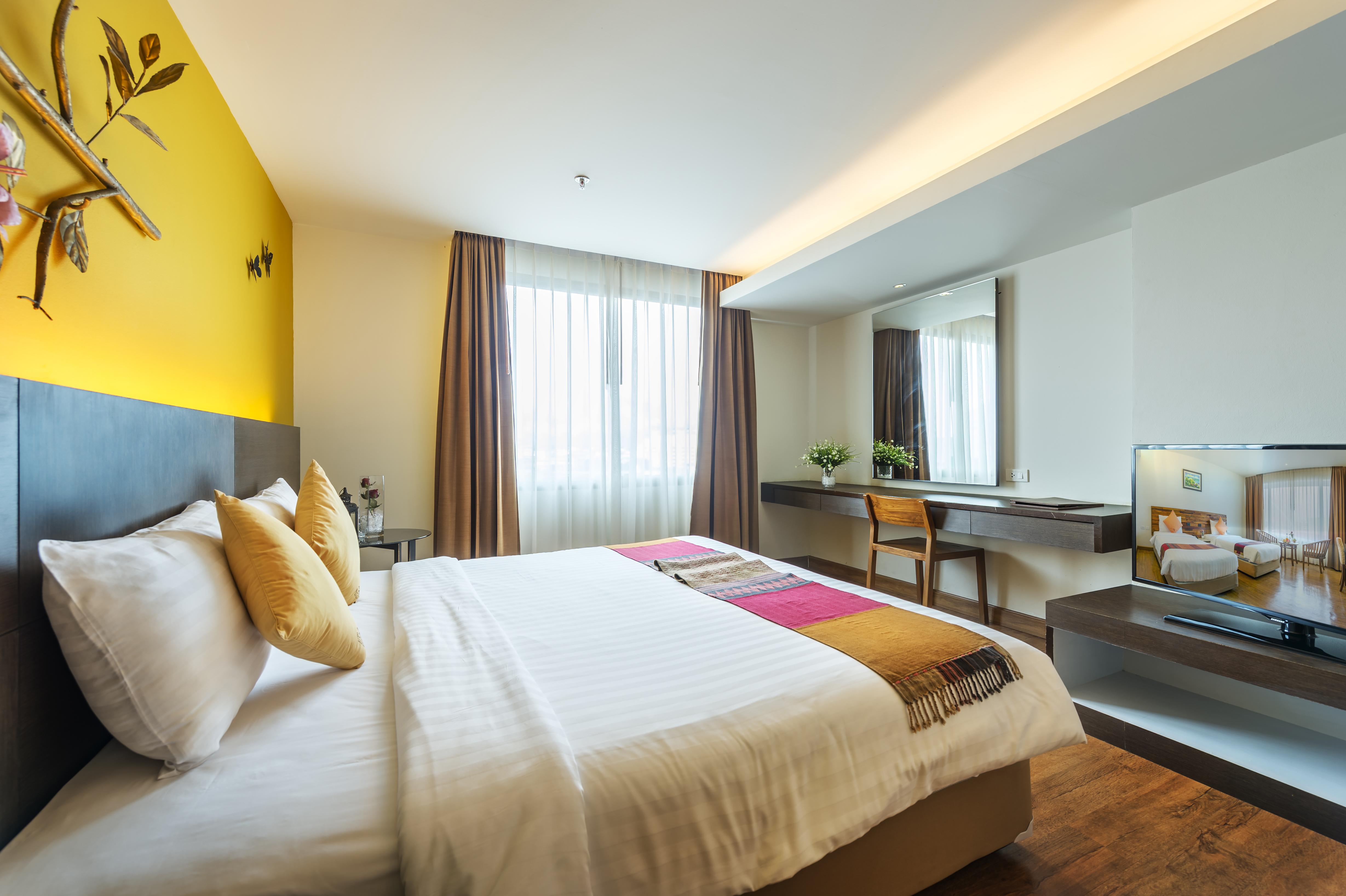 Oriental Suite7137-HDR