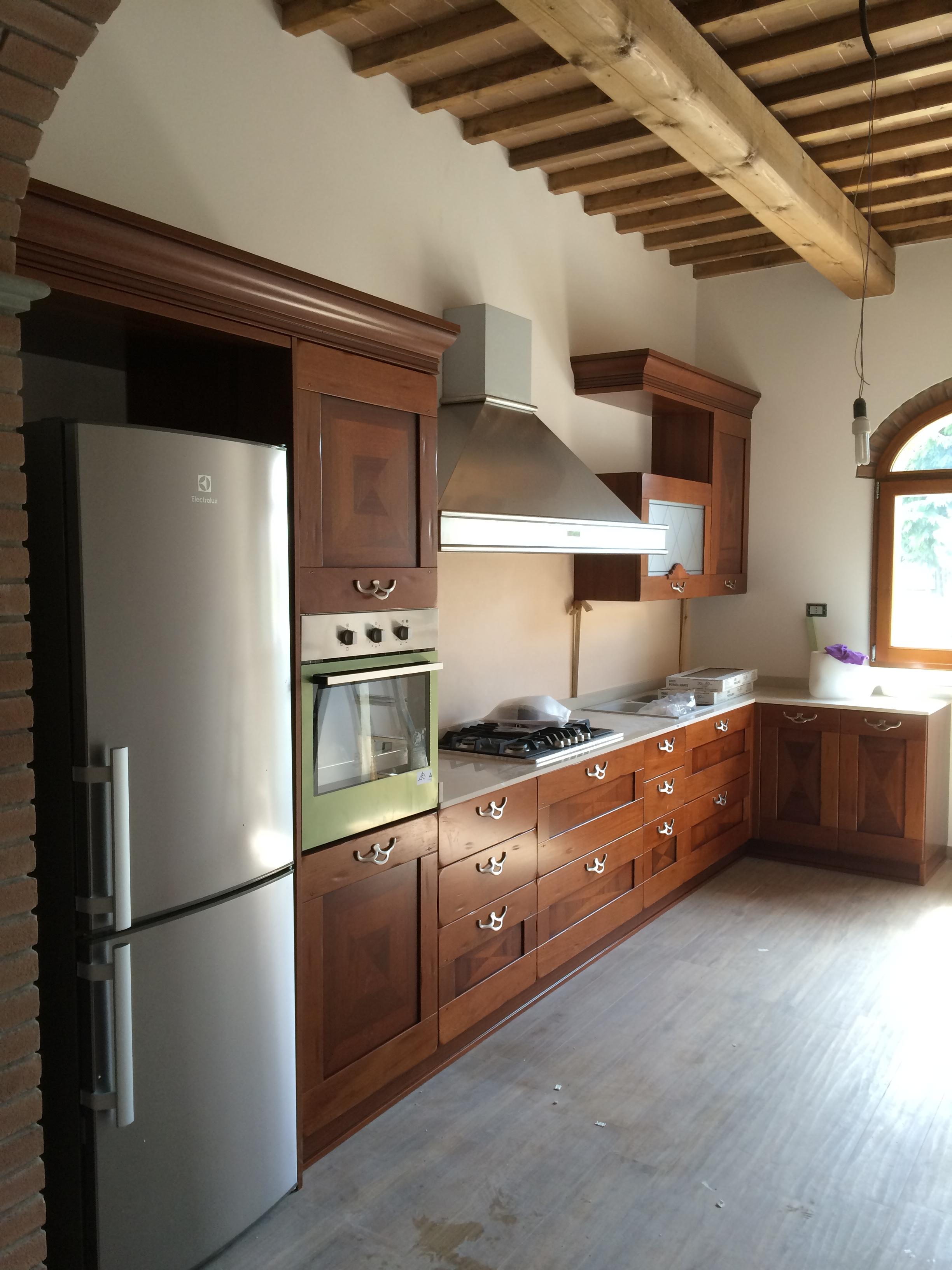 Cucina per cascinale toscano