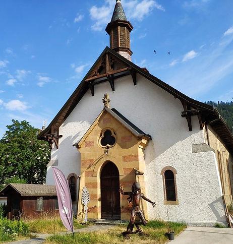 chapelle2_edited.jpg