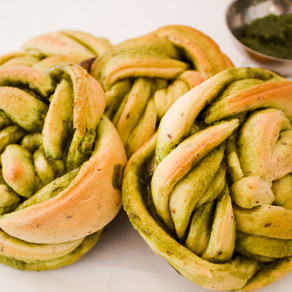 Matcha Bread Twist (Vegan)