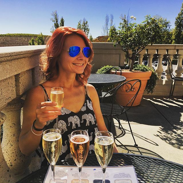 #sonomasaturdays #stop1 #vacayallday #cheersbitches #happyhoureveryhour #hellofromtheotherside #breakfastofchampions #bubblytotheface #winet