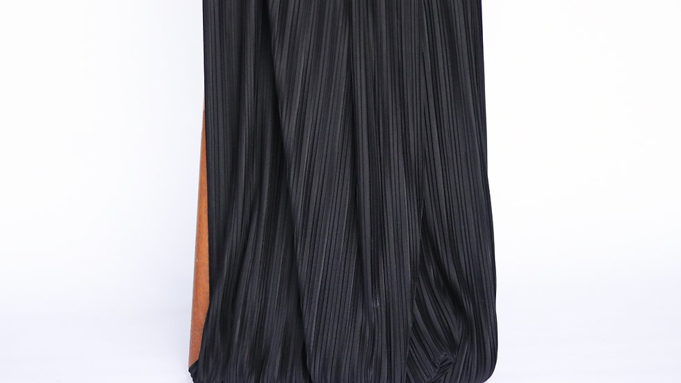 Pleated Black