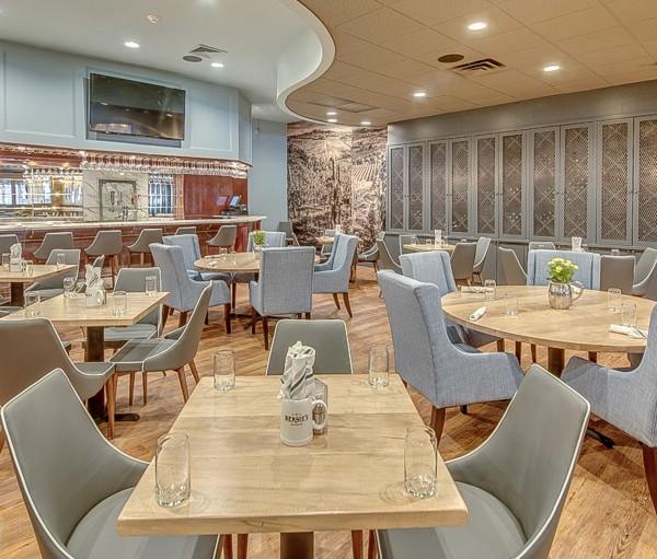 Restaurant Dinning and Bar