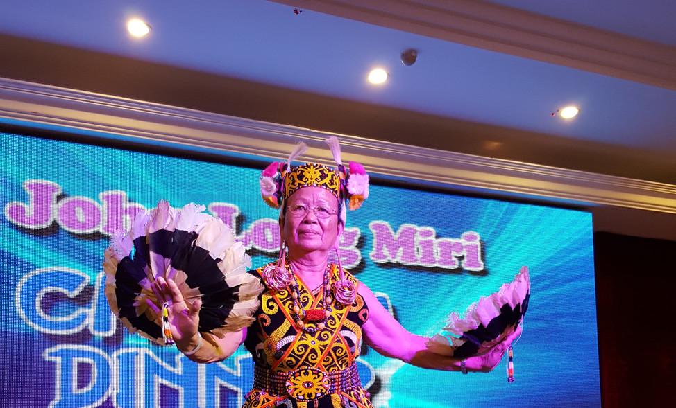 A Sarawak native dancer