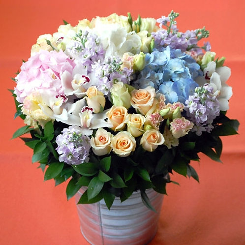 Victoria Potted Bouquet