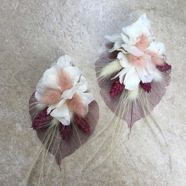 Çiçek küpe bordo yapraklı