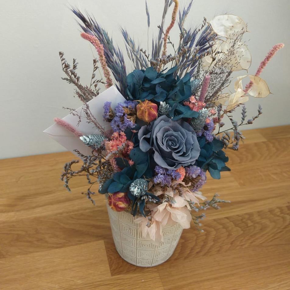 mavili saksı çiçek