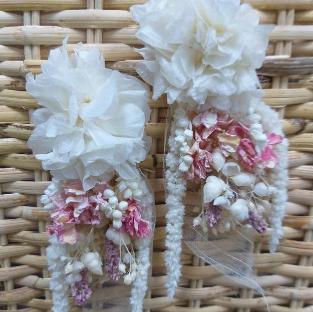 Çiçek küpe beyaz