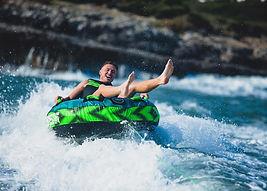 Licencja do holowania narciarza wodnego.
