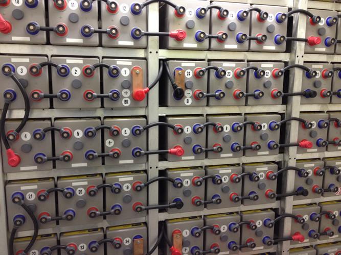 SPS Battery bank.JPG