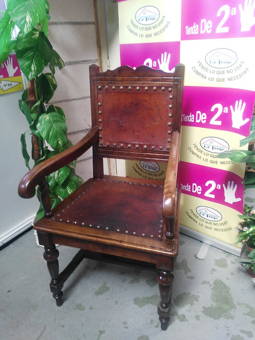 250419 sillón madera cuero