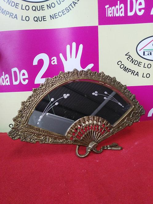 280120 abanico espejo bronce sobre mesa