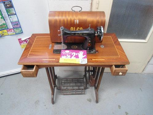 150416 Maquina de coser alfa 159€