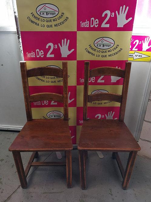 260118 sillas de madera noble