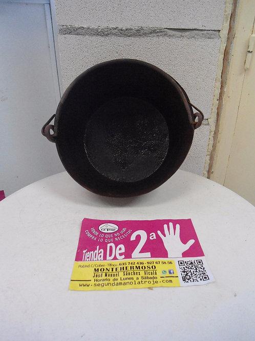 240616 Caldero de hierro