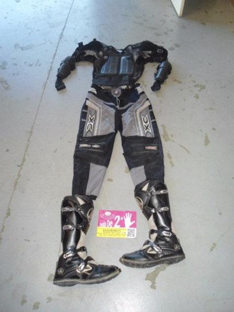 050816 traje completo xxl botas nº45 precio