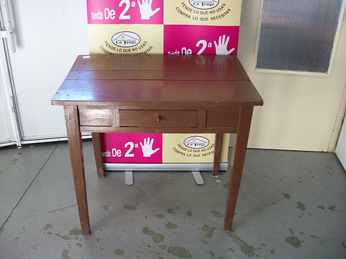160117 Mesa de madera cuadrada