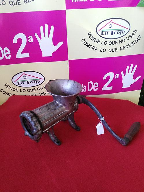311019 MAQUINA DE PICAR CARNE ELMA Nº22