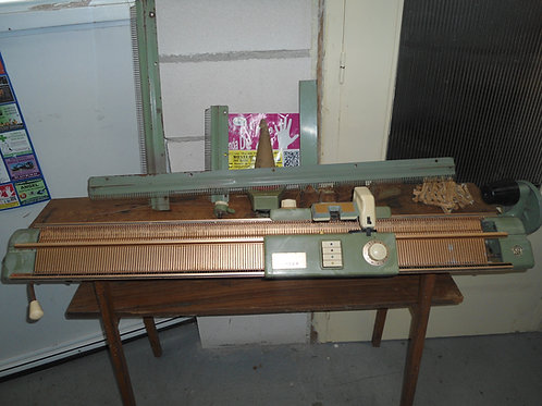 200416 Maquina de tricotar