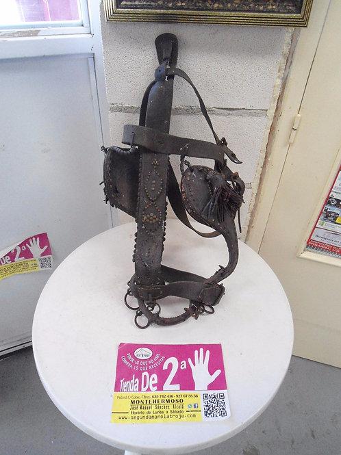 240616 Cabecero de caballo jaquima