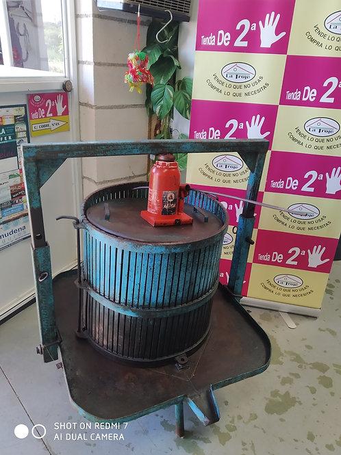290520 prensa de uva de hierro