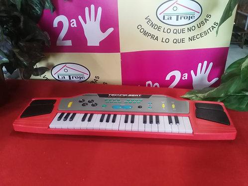 221118 piano juguete