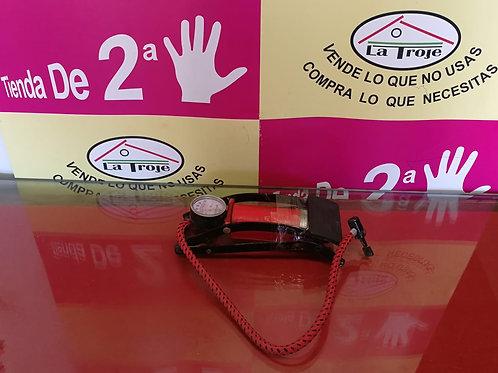 230818 HINCHADOR DE PIE ROJO