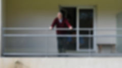 au balcon avec papa 1.jpg